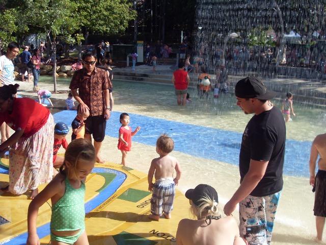 Детская площадка. Лагуна