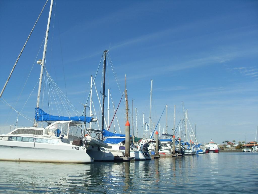 Парусники -каналы Newport