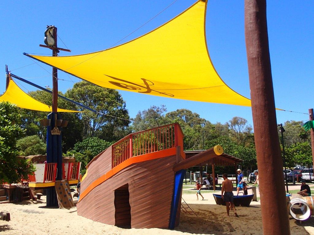 Пляж на Реке Currumbin, детская площадка