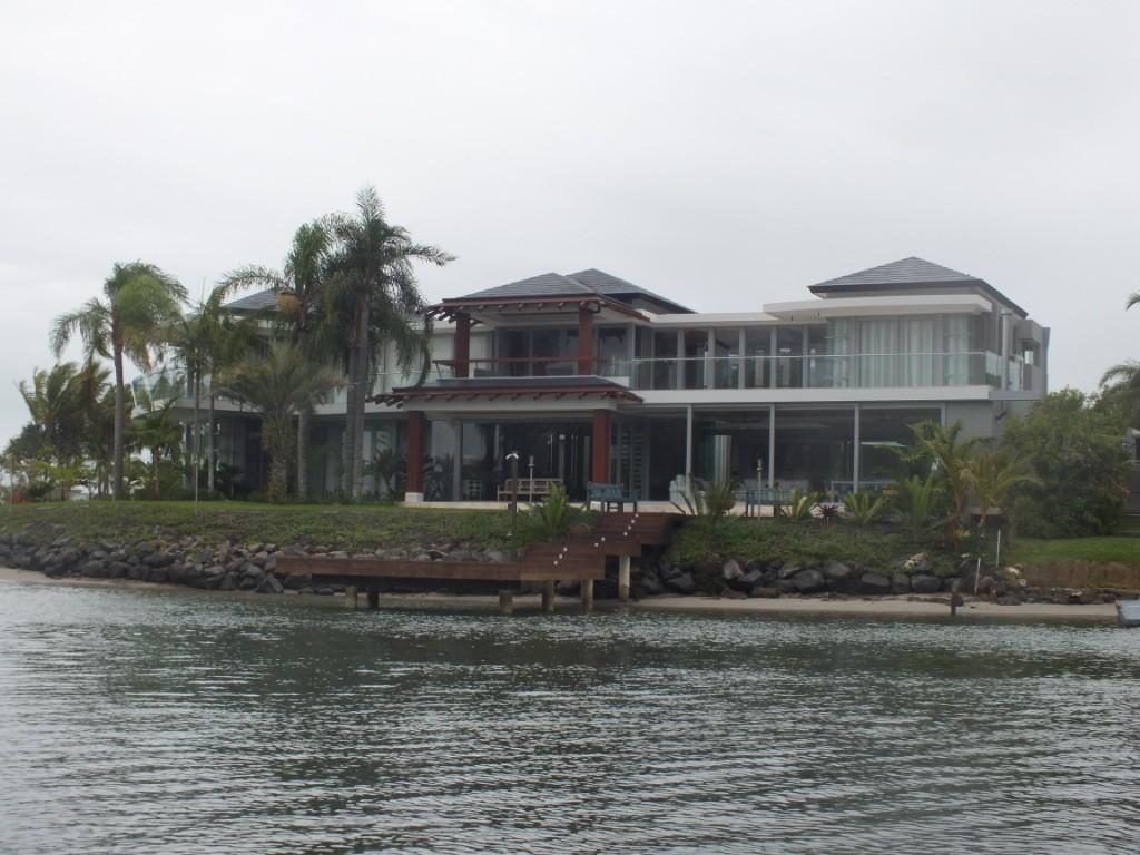 Дом на каналах. Noosa