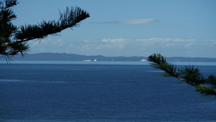 Вид с полуострова Редклиф на остров Моретон.