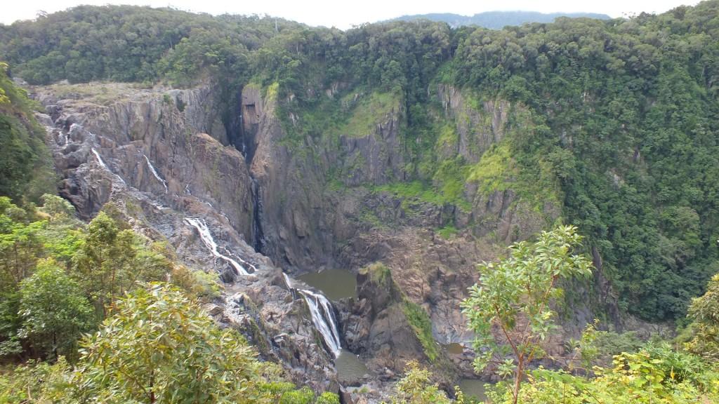 Водопад. Kuranda scenic railway