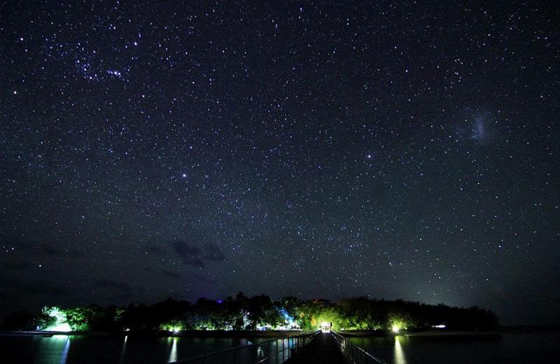 Звездное небо над оостровом