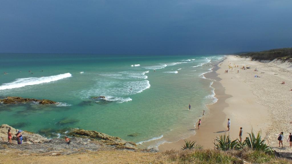 Главный пляж ( Main beach) острова Stradbroke